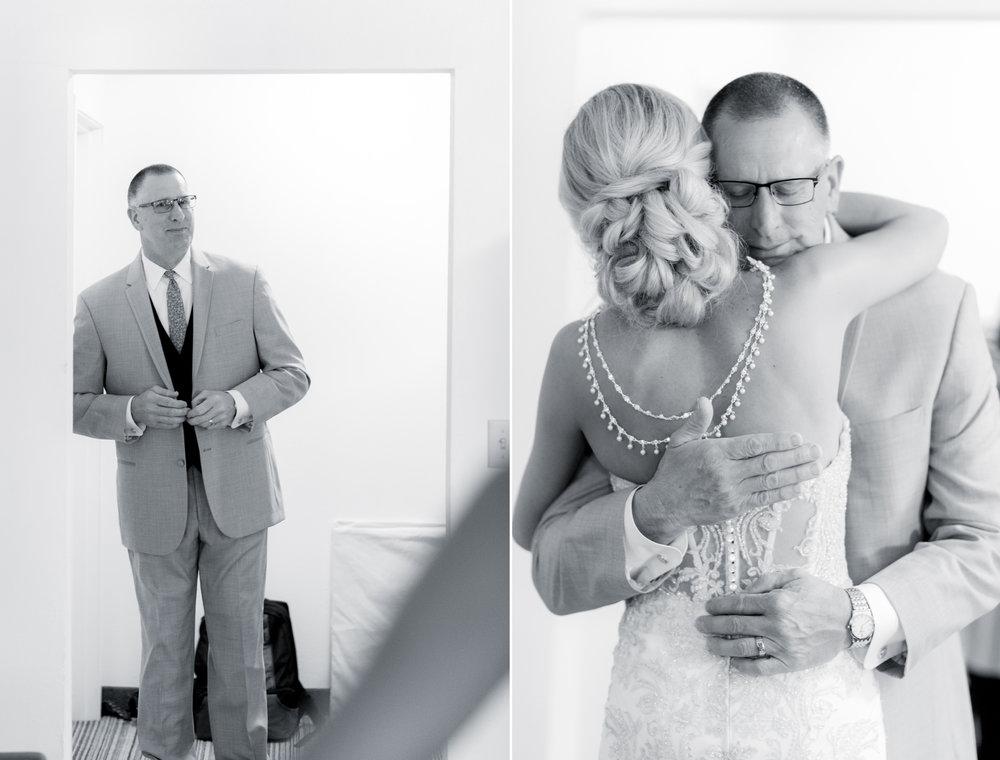 6 engagement pictures - iowa wedding photographer 19.jpg