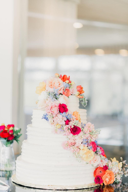 7 iowa wedding photographer - country club wedding pictures-3.jpg