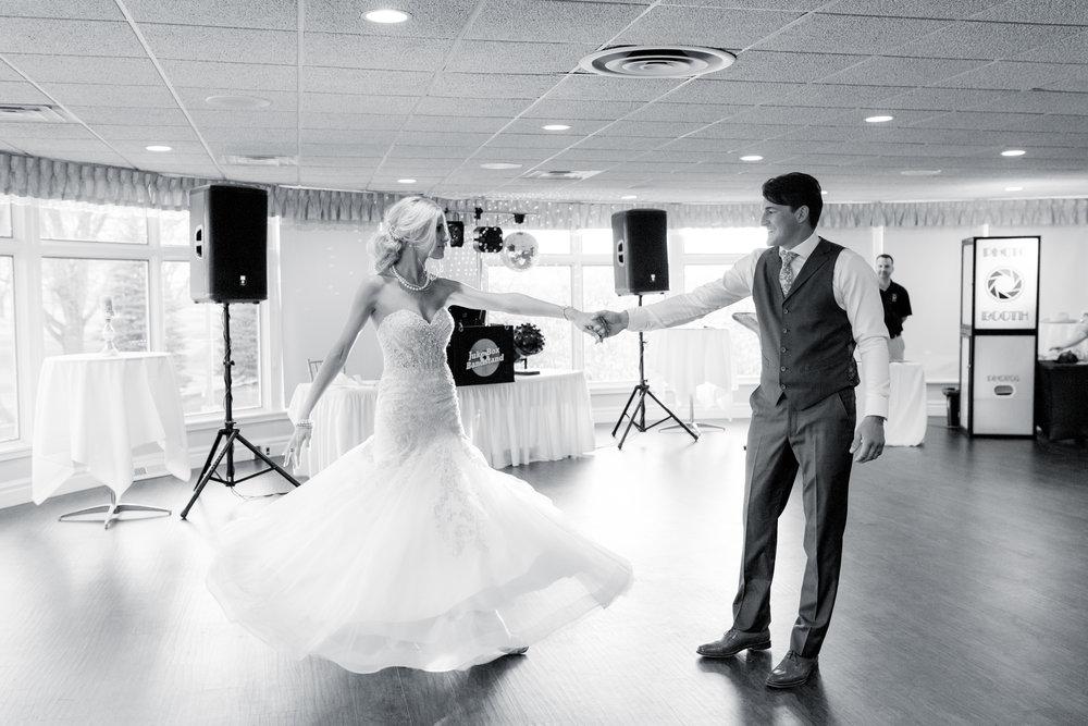 7 iowa wedding photographer - country club wedding pictures-38.jpg
