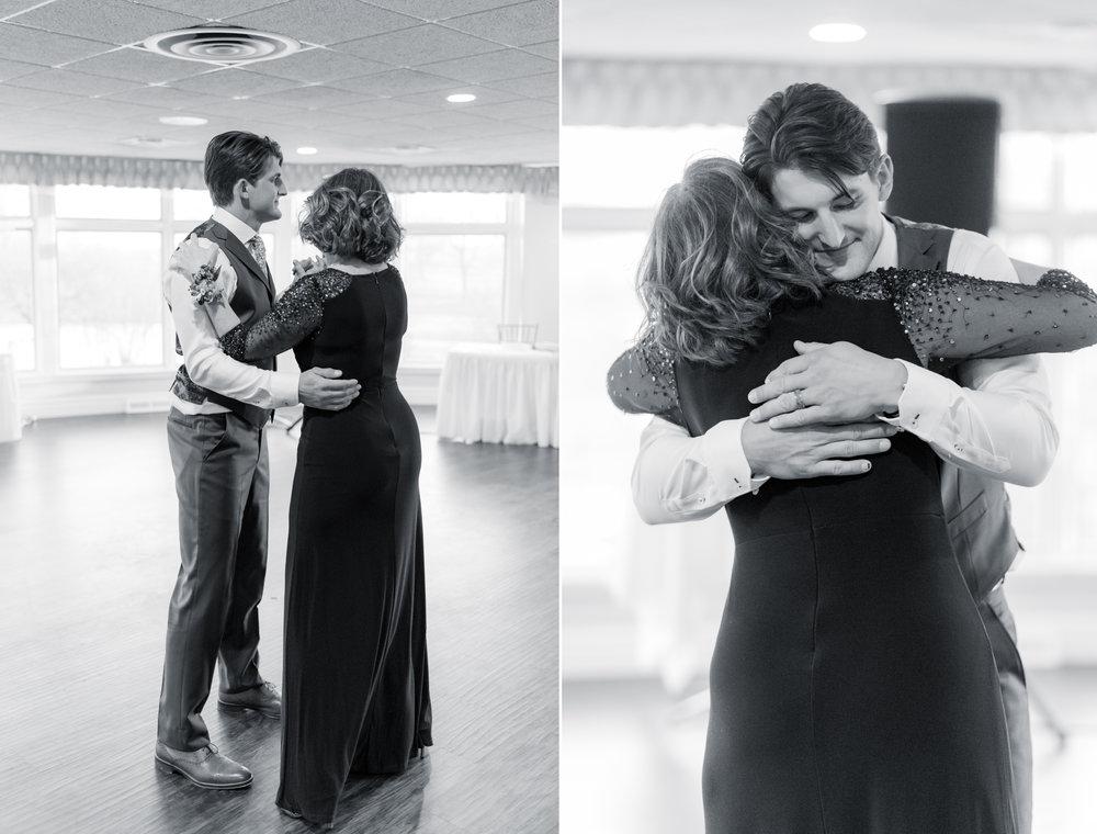 8 engagement pictures - iowa wedding photographer 7.jpg