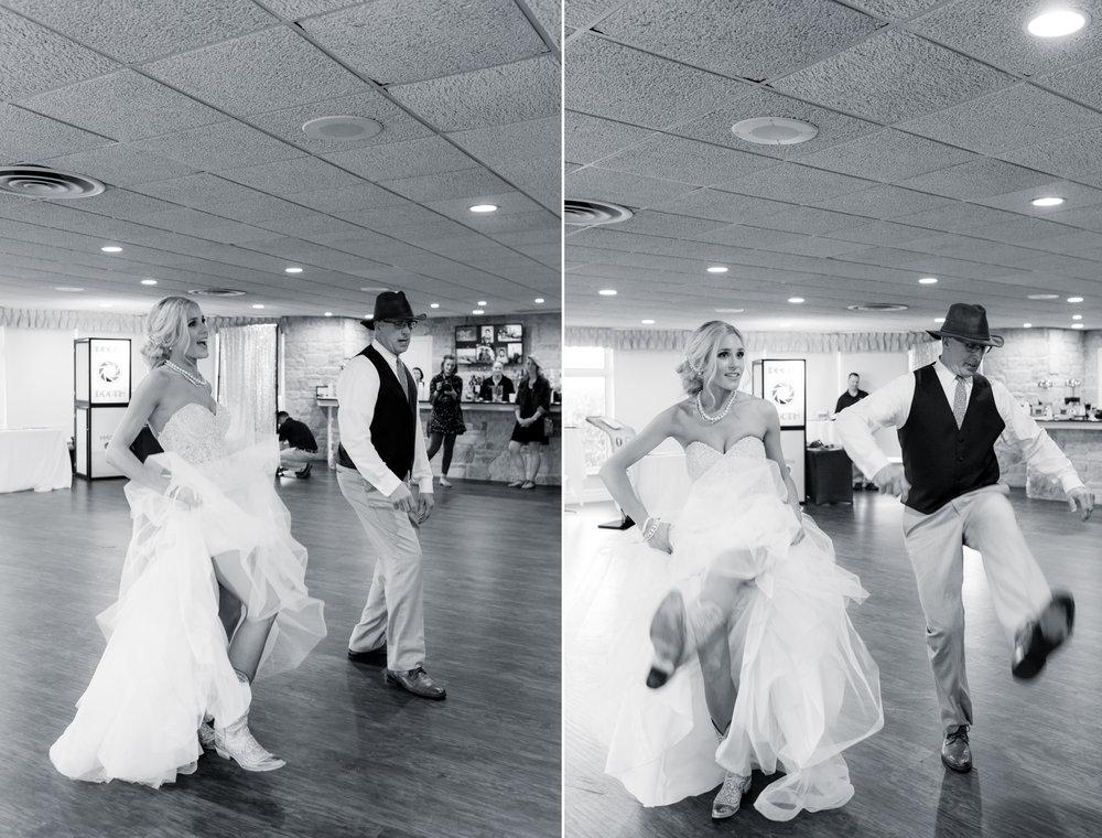 8 engagement pictures - iowa wedding photographer 8.jpg