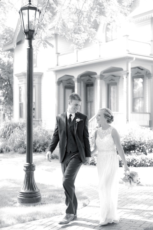 iowa wedding photographer_-163.jpg