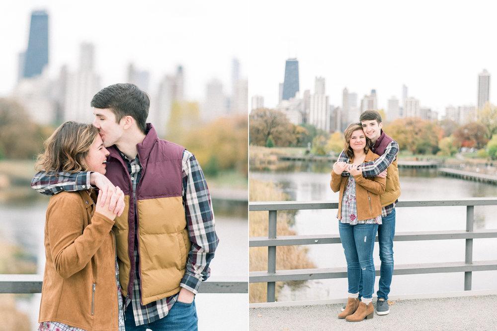 destination wedding photographer - engagement pictures in chicago3.jpg