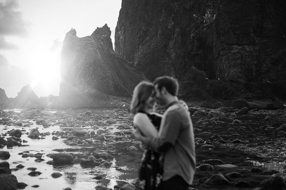 Amanda + Matt - Oregon Coast Elopement Photography - Oregon Cannon Beach Elopement Photographer - Emily & Co. Photography (5).jpg
