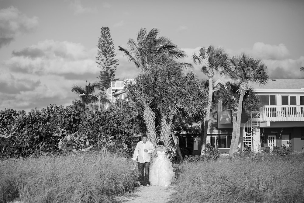 Bailey + Chalin - Anna Maria Island Wedding Photographer - Destination Wedding Photography - Emily & Co. Photography - Beach Wedding Photography (19).jpg