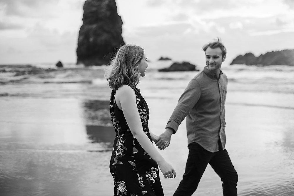 Amanda + Matt - Oregon Coast Engagement Photographer - Destination Elopement Photographer - Emily & Co. Photography (3).jpg