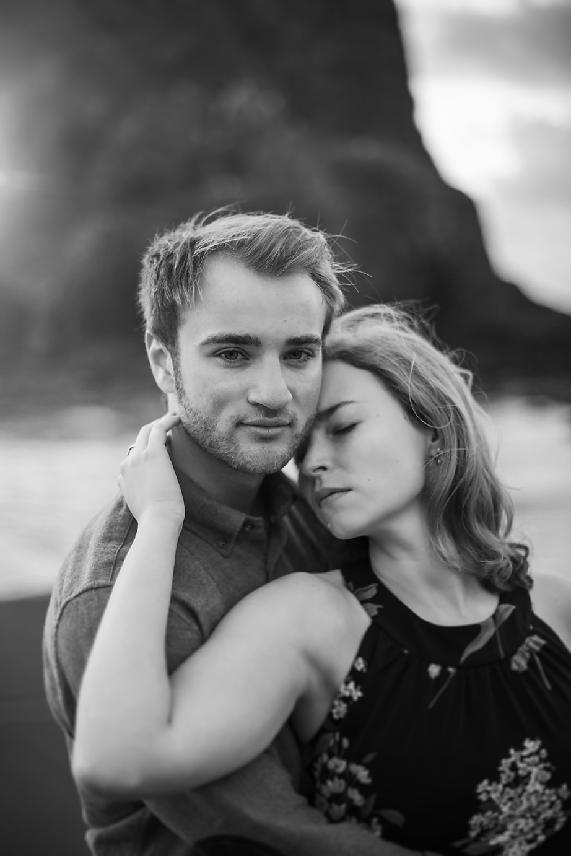 Amanda + Matt - Oregon Coast Engagement Photographer - Destination Elopement Photographer - Emily & Co. Photography (11).jpg