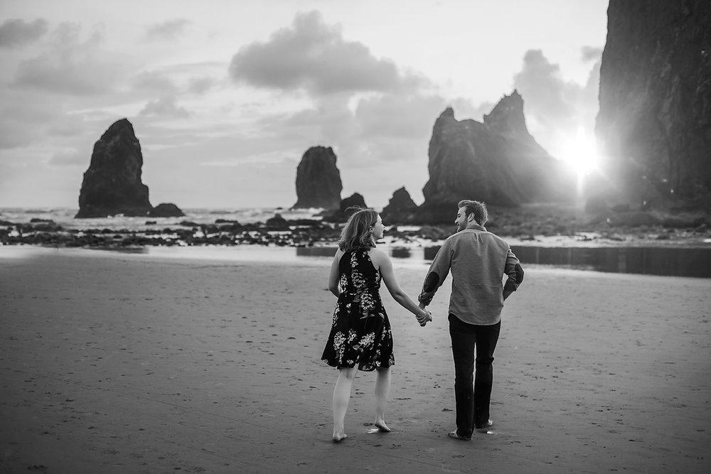 Amanda + Matt - Oregon Coast Engagement Photographer - Destination Elopement Photographer - Emily & Co. Photography (18).jpg