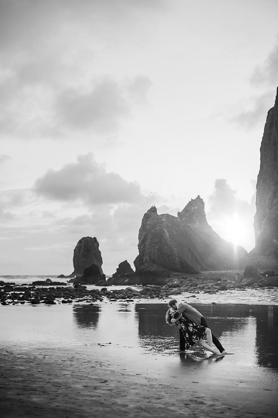 Amanda + Matt - Oregon Coast Engagement Photographer - Destination Elopement Photographer - Emily & Co. Photography (20).jpg