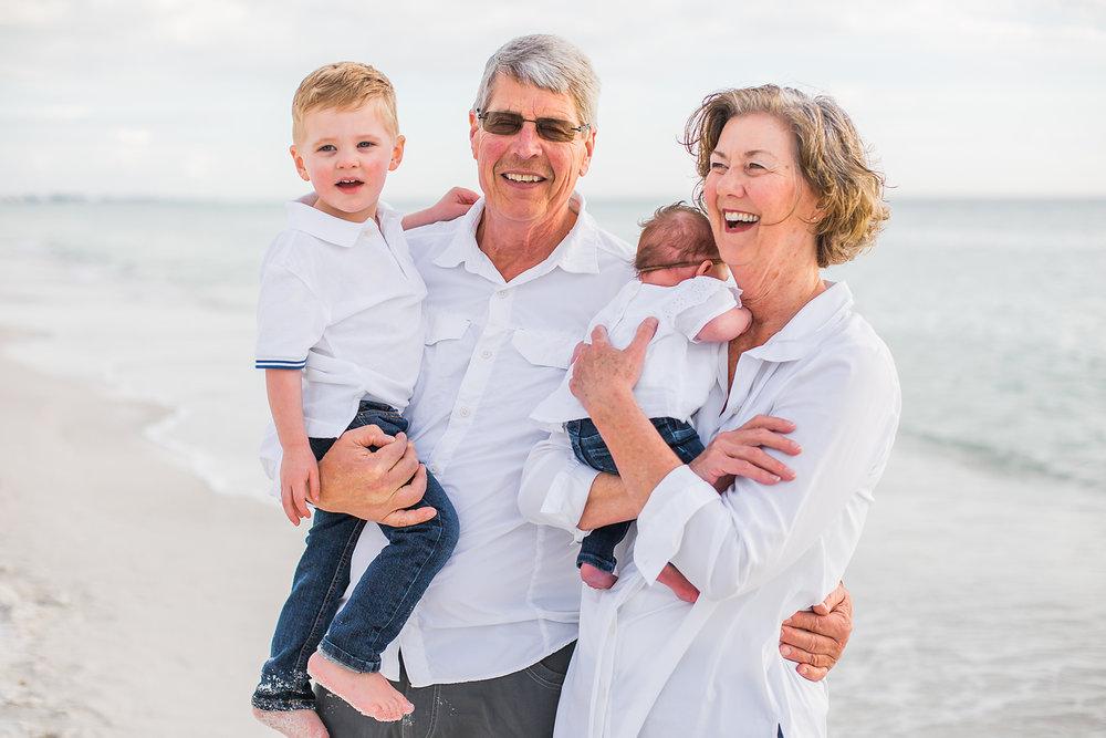 Mulder Family Vacation Photos 2018 - Anna Maria Island Family Photographer - Emily & Co. Photography (16).jpg