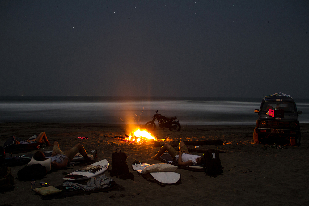 Sleeping under the stars // Board bags doubled as sleeping bags!
