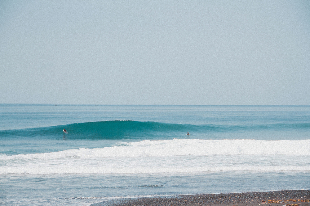 Seek and you shall find // Scoring some fun waves with just you and your mates... Nothing better!