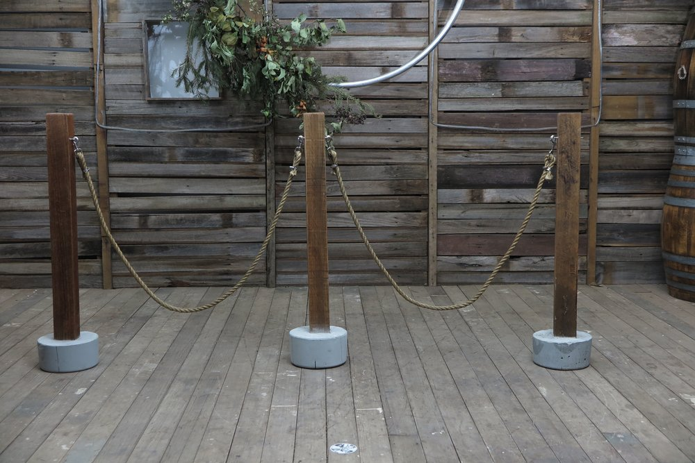 Bollards w Clip on Vintage rope
