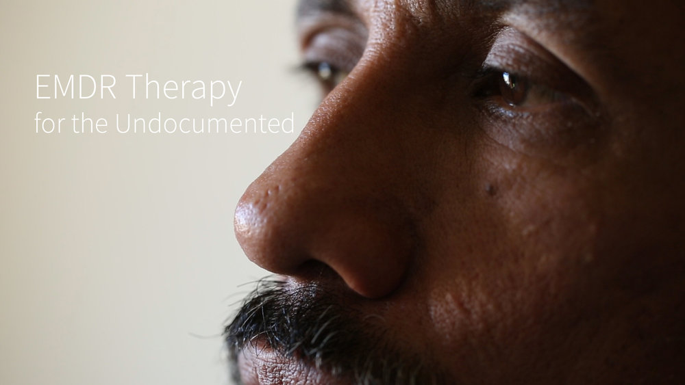 Latino therapists are using EMDR (Eye Movement Desensitization Reprocessing) therapy to treat patients dealing with trauma stemming from migration. Many of the patients are undocumented or are in the process of applying for visas such as the U (for victims of mental, physical, or sexual abuse) or the T (victims of trafficking). Created for Univision Noticias Digital. In Spanish with English Subtitles.