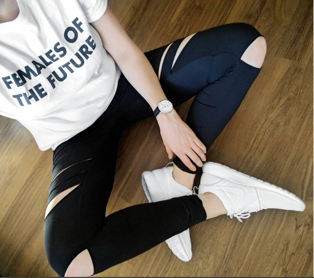 Graphic tee and leggings