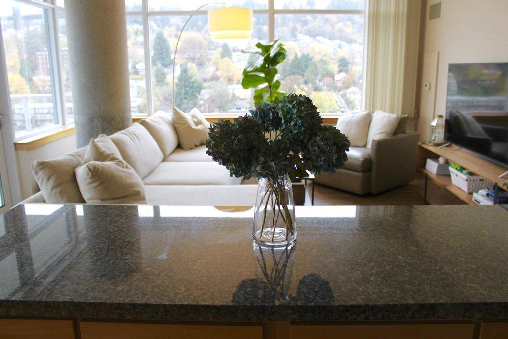 Dried Hydrangeas Living Room Decor