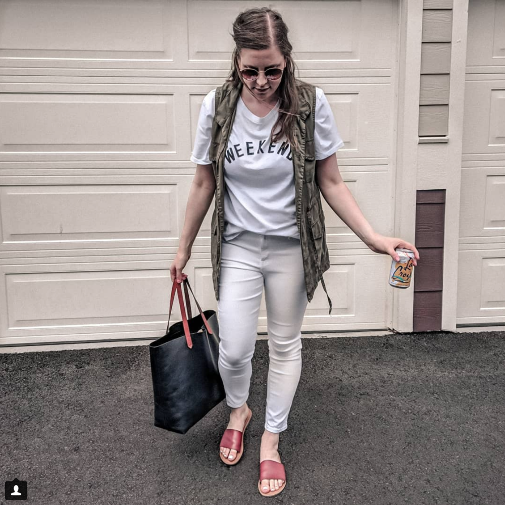 Cargo Vest - Top: GAP // Vest: SIMILAR (on sale) // Jeans: H&M (only $10!!!) // Sandals: TARGET // Bag: NORDSTROM // Sunglasses: RAYBAN or similar $14 dupe HERE