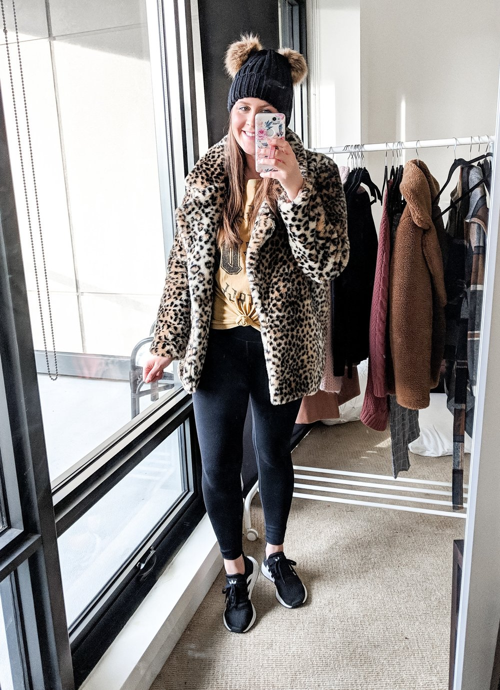 leopard%2Bfur%2Bcoat%2Bgraphic%2Btee%2Bathleisure%2Boutfit%2Bstylebyjulianne