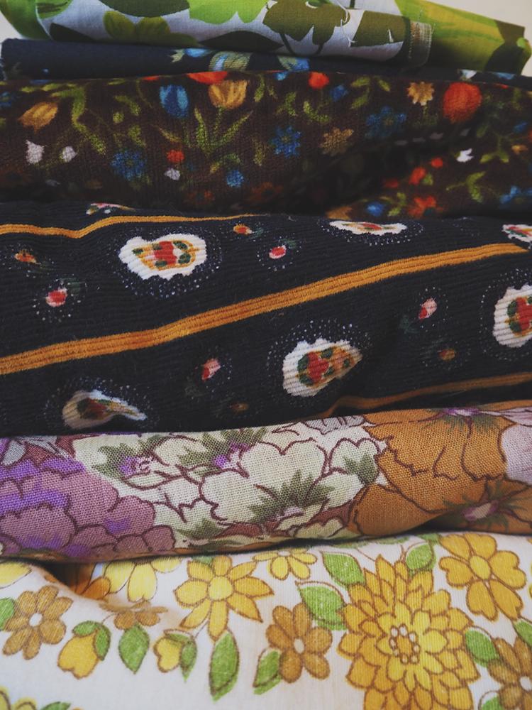 indiestitches.fabric.2.jpg