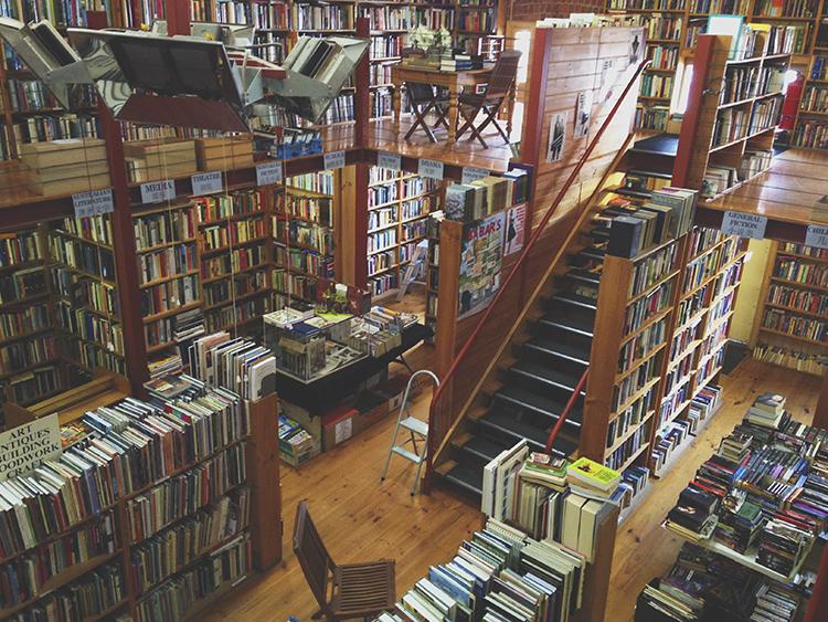 indiestitchesbooks2.jpg