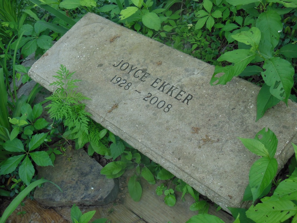 Joyce+Ekker+Memorial+Bench.jpg