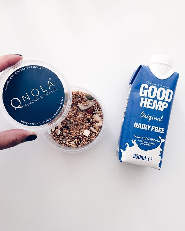 What did you have for breakfast?  We're starting our day with these two healthy additions from our November Box.  #quinoa  #hemp #goodhemp #qnola #dairyfree #hempmilk #healthy #breakfast #breakfastinspo #wakeupwell #wellness #nuubox