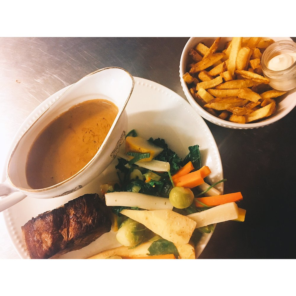 Steak peperroom met verse frietjes