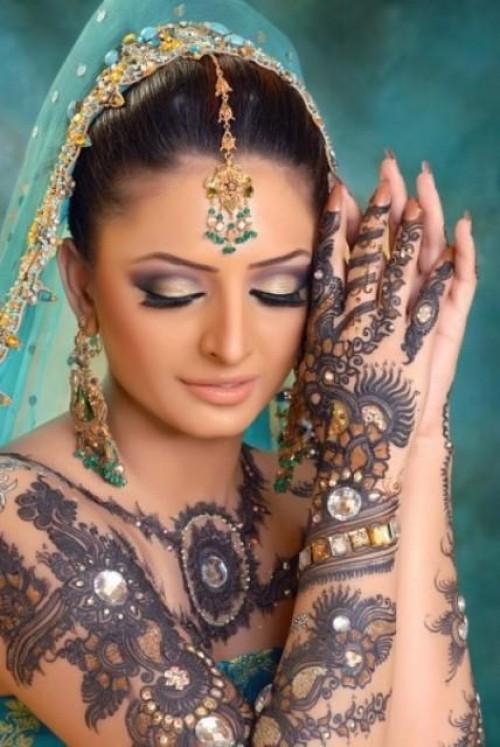 Glitter-Mehndi-Designs-2012-e1333453705333.jpg