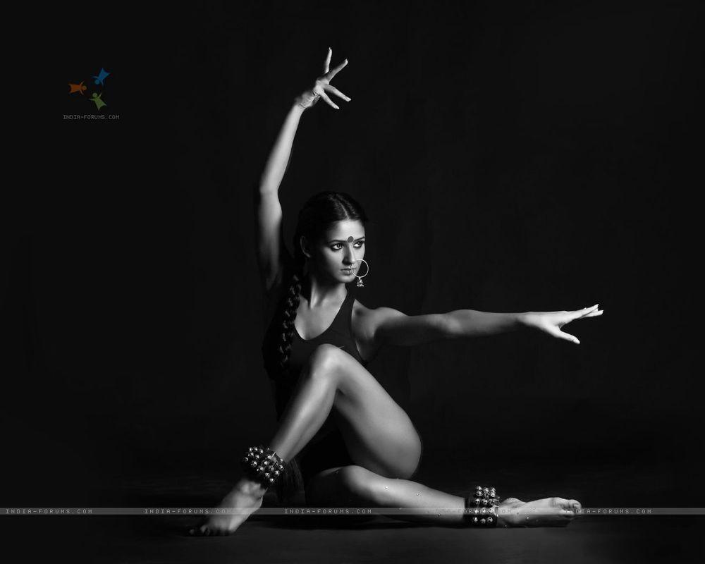 Shakti-Mohan-Feet-1111921 (1).jpg