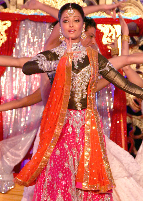 aishwarya-rai-dancing-performance-still.jpg