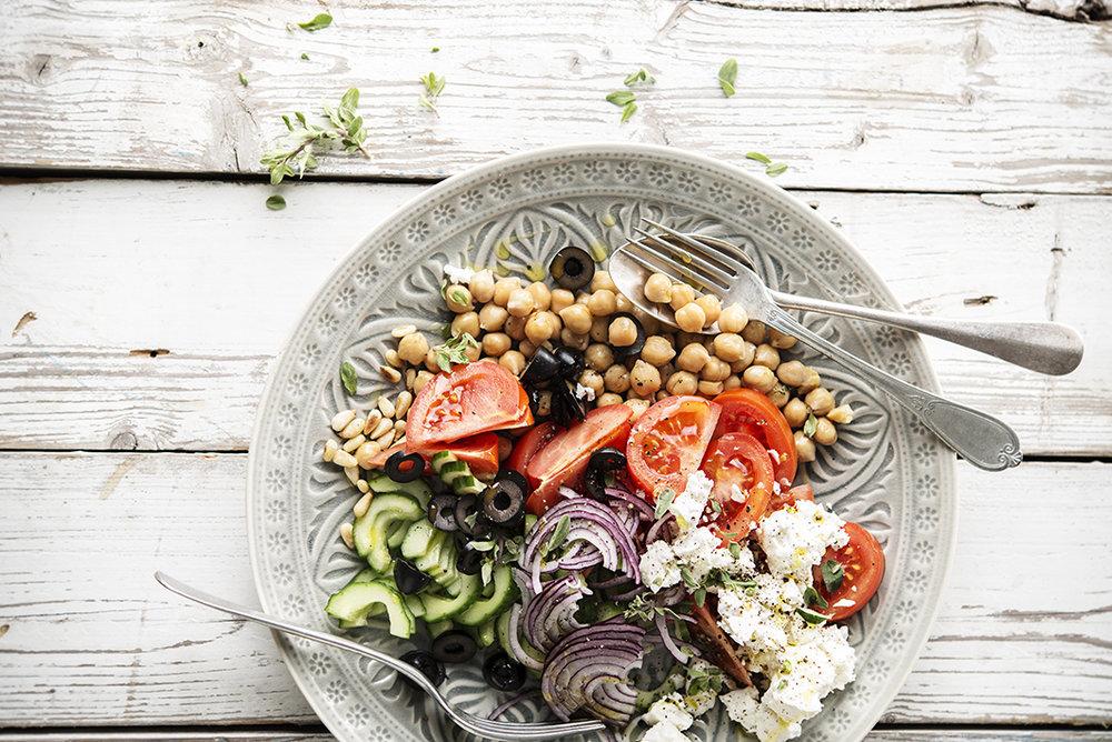 Salade grecque aux pois chiches • Greek chickpeas salad
