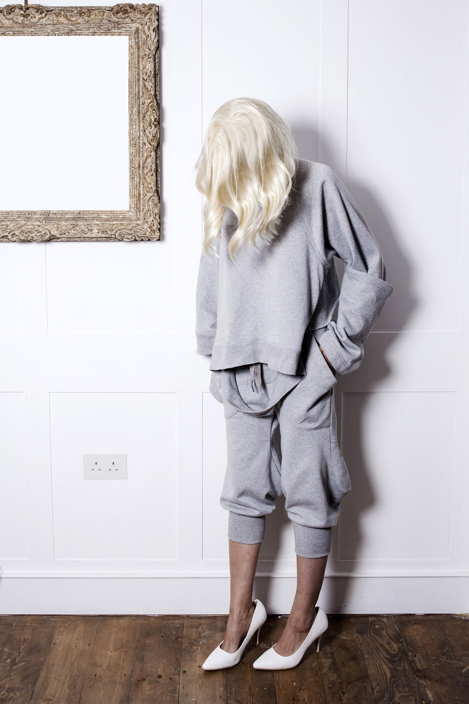 DRESS SUPERBASICS Broken Raglan Sweatshirt with double cuffs & Modern Loon Pants in Grey Marl #dressltd