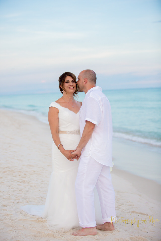 Intimate wedding in Pensacola Beach, Florida