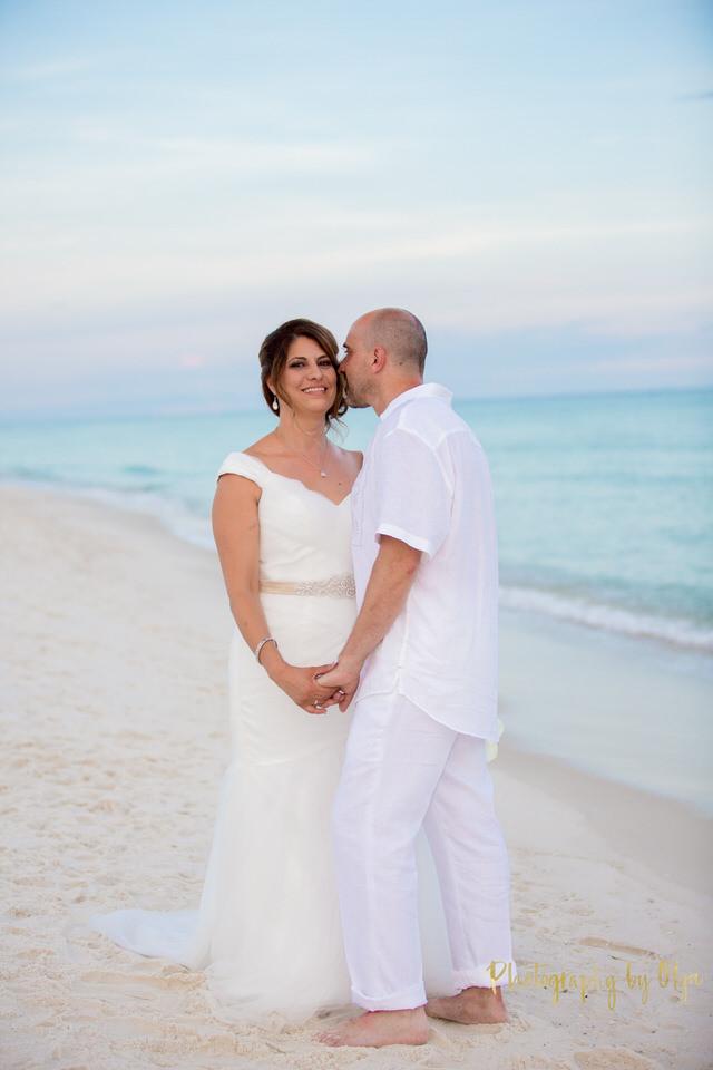 Intimate wedding in Pensacola Beach, Florida