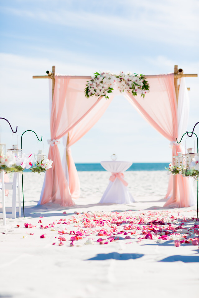 Set up beach weddings