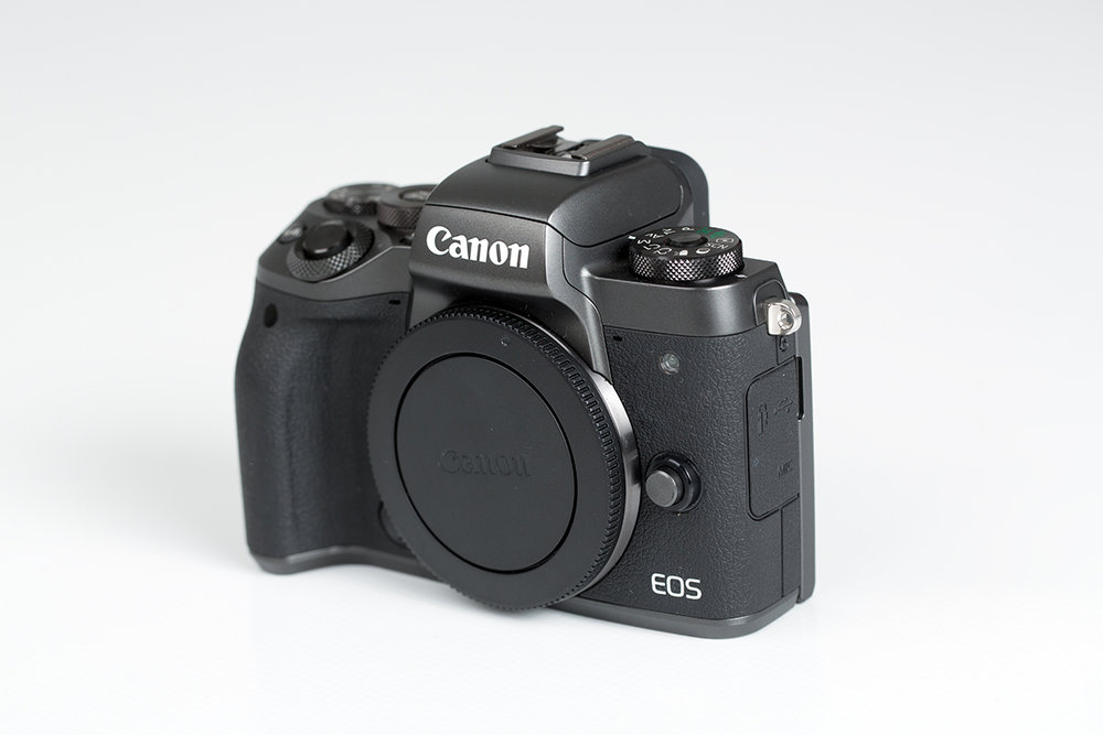 Canon M5 Front