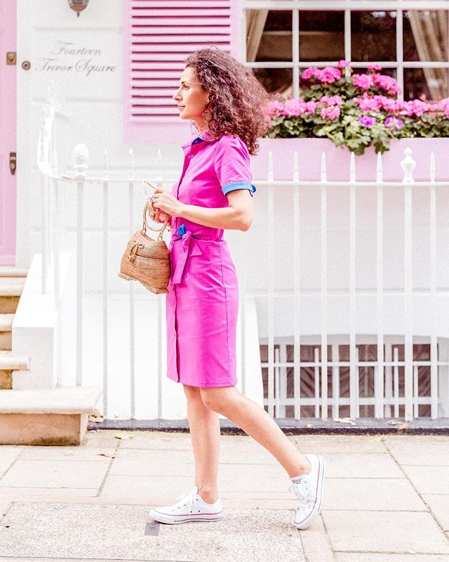 Have a pink Friday at all! I have a new post on my blog www.iwanttobechic.com direct link in my profile 💘💋 ¡Feliz viernes a todos! Tengo un nuevo post en mi blog, enlace directo en mi perfil 💘😘 #iwanttobechic #pinklady  #streetstyle #lovelovelove  #fridayinspiration #londonfashion #shirtdresses #camisero  #fridayfun #chic #ootd #wiw