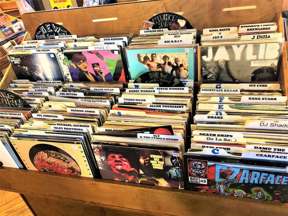 We love visiting local Record Stores when we explore new cities 🎶  Make every Saturday a Small Business Saturday + Shop Small 🔖