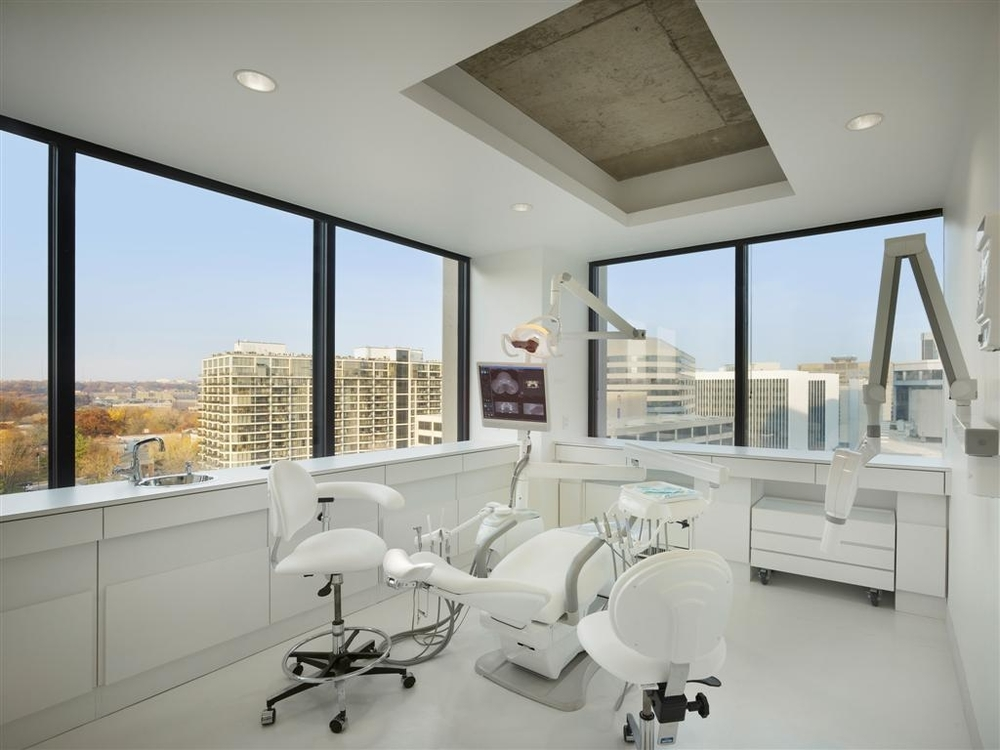 Lonmetro Dental office white.JPG