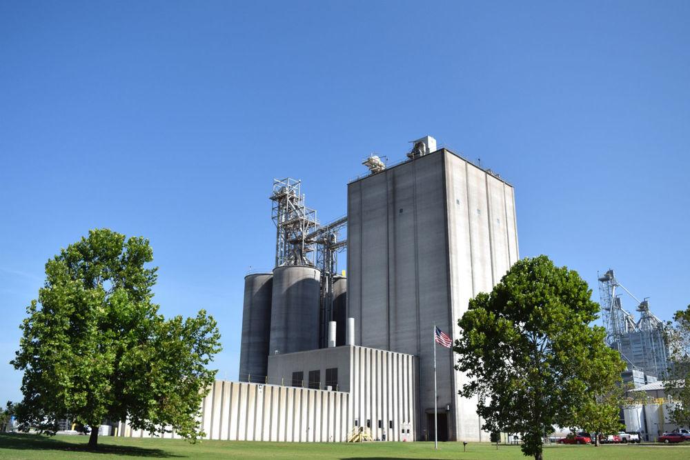 Simmons'Decatur, Arkansas Feed Mill