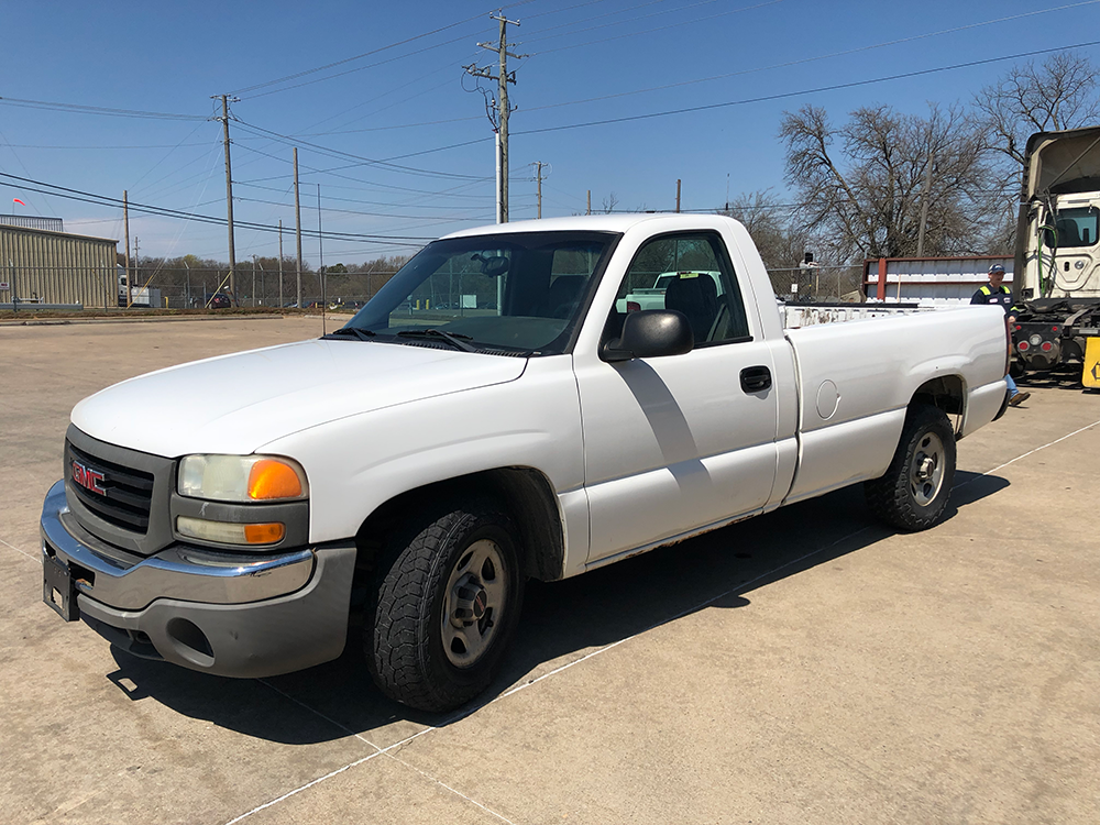 Truck #1709 - This is a 2004 GMC with 172,597 miles. Known issues: transmission shifts hard.