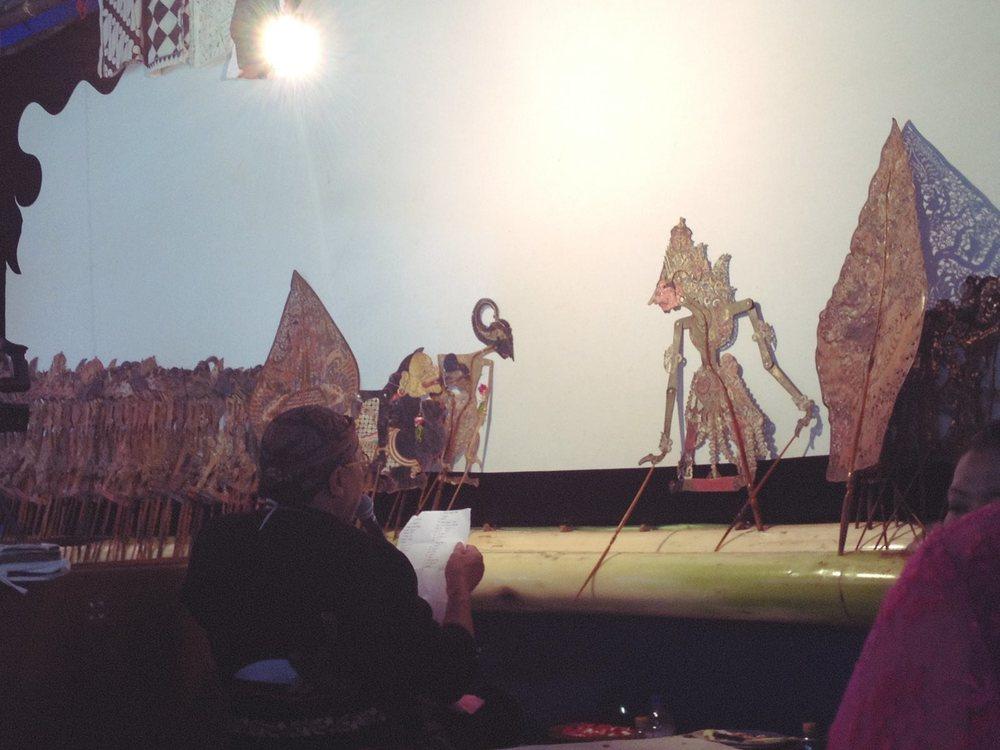 Dhalang and the Wayang Kulit puppets