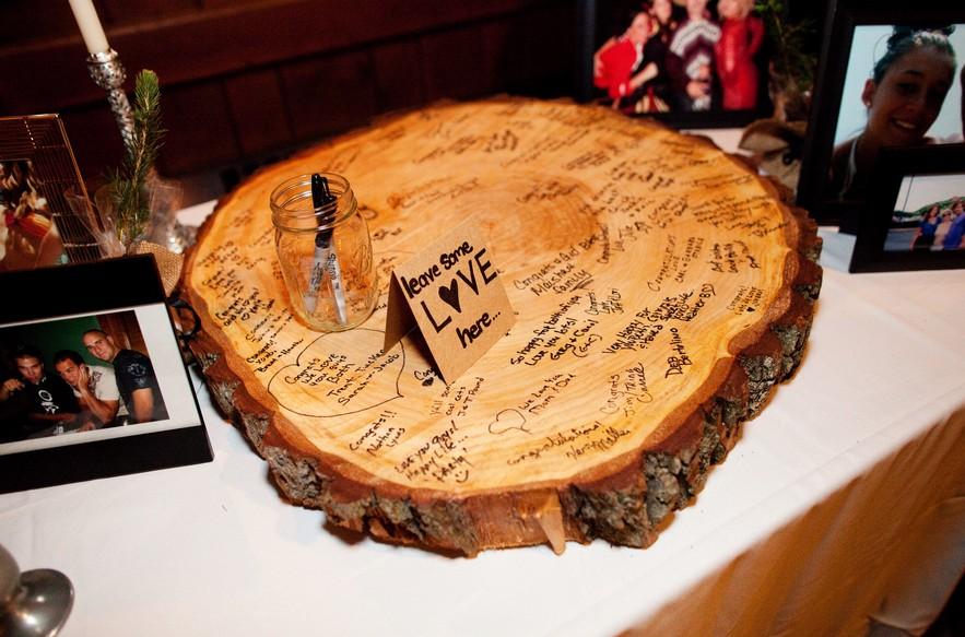 diy-wood-slab-guestbook.jpg