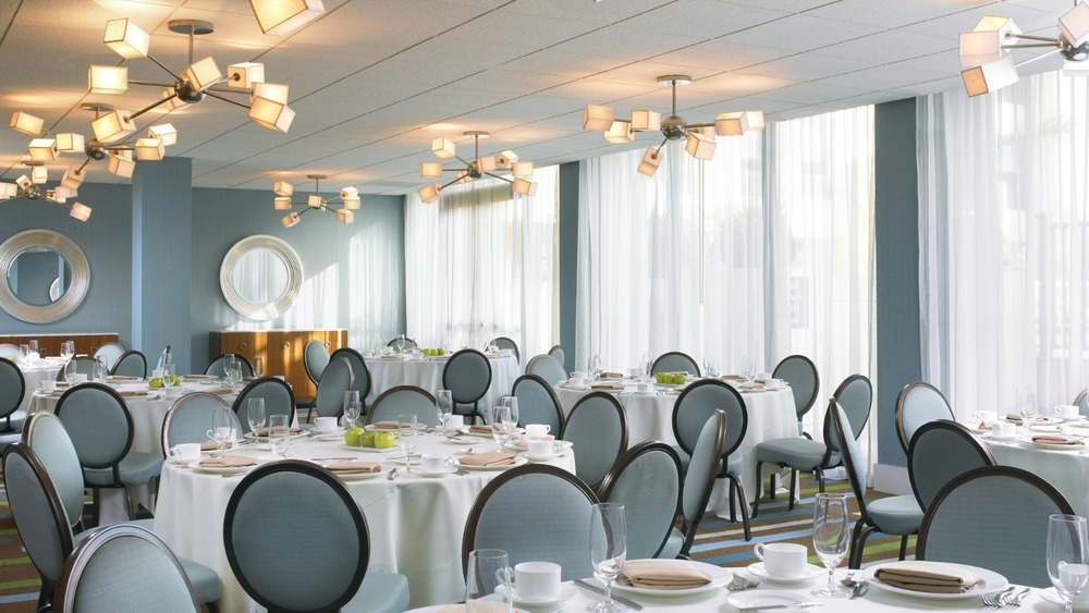 HDSheratonFishermansWharfPrefunctionRoom.jpg