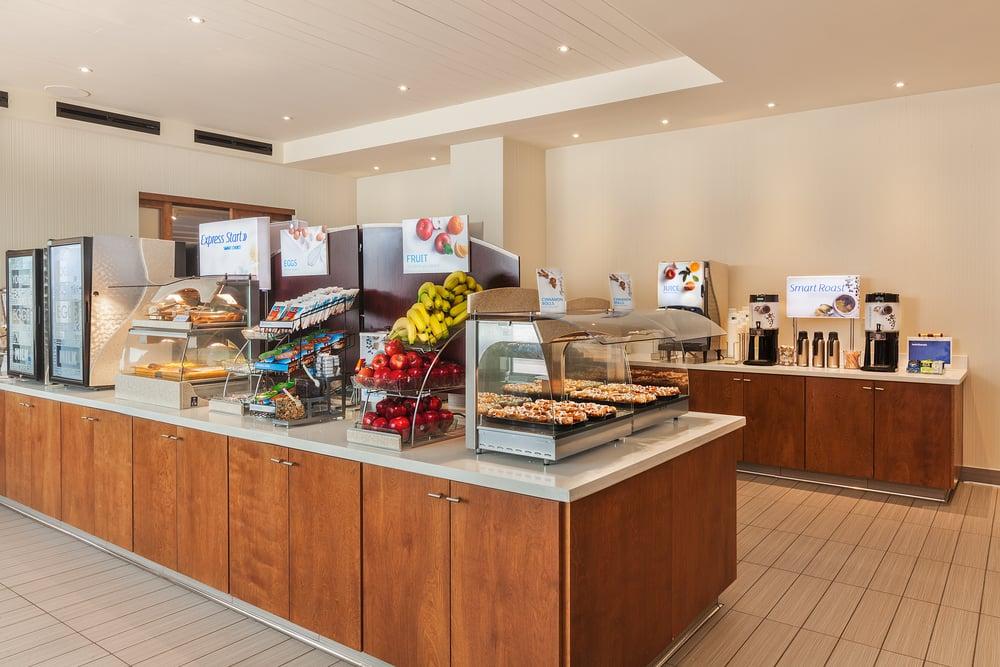 HIEX-SanFran2-Breakfast_Bar.jpg
