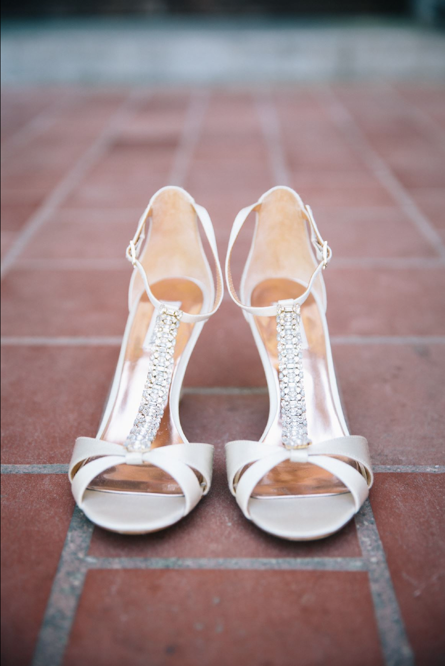 Gorgeous bridal shoes for Allison | Photo:   Tim Redman