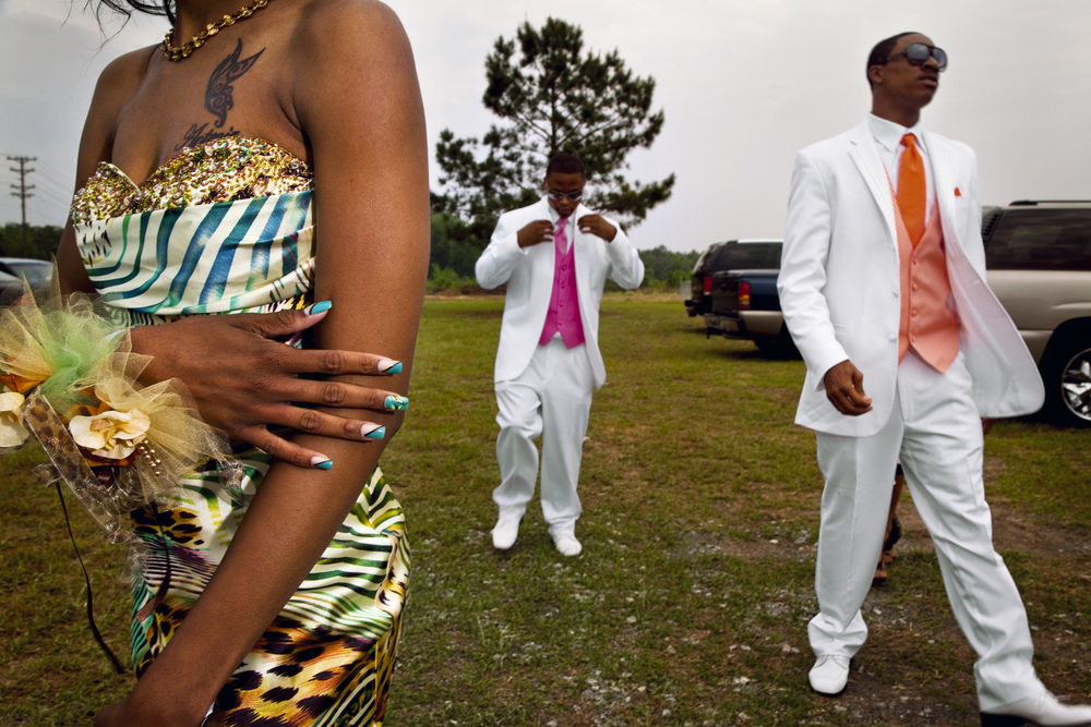 Seniors arriving at the first integrated prom, 2010