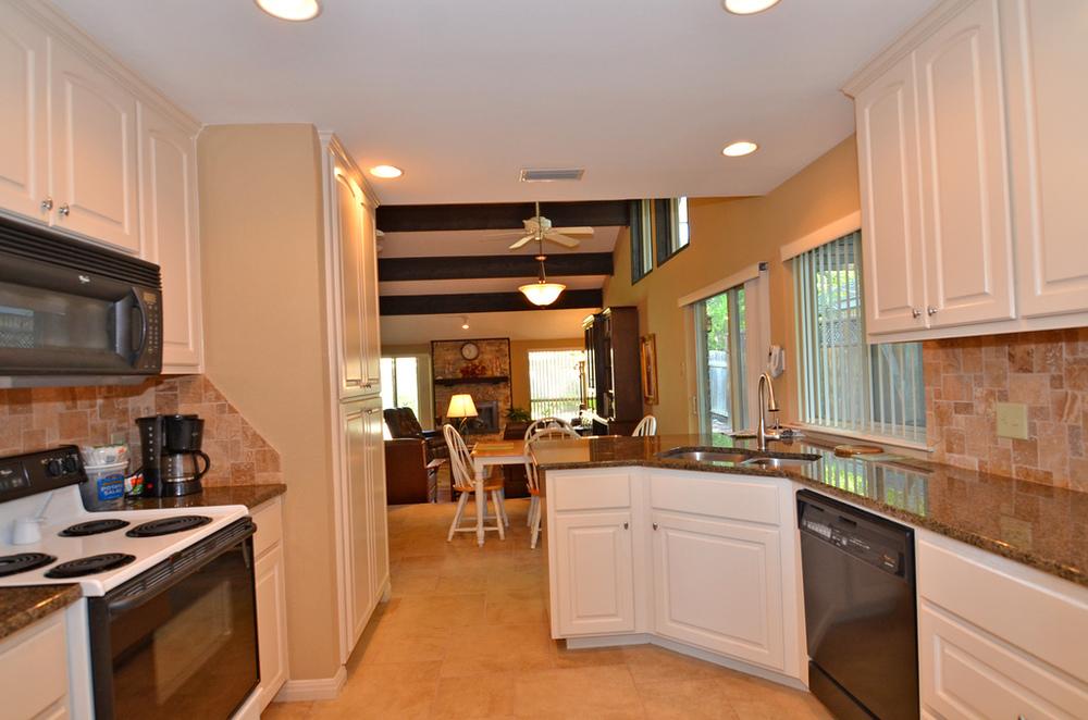 kitchen2_web.jpg