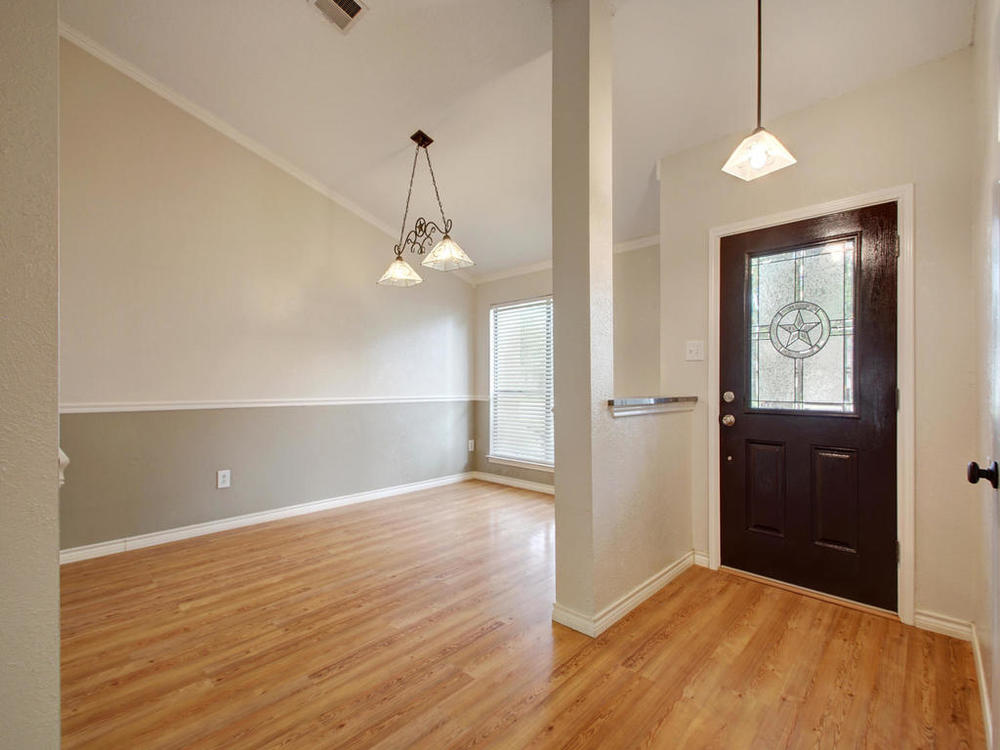 1602 E Messick Loop-MLS_Size-016-17-Foyer Hall 806-1024x768-72dpi.jpg