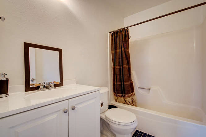 1702 Wildwood Dr-small-021-19-Other Beds and Baths 639-666x445-72dpi.jpg